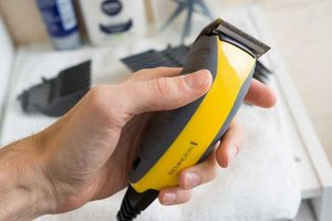 How to Sharpen Hair Clippers' Blades
